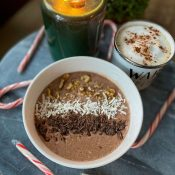 Peppermint Mocha Overnight Oats (+Protein)