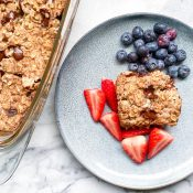 Chocolate Chip Cookie Baked Oatmeal (+Protein)