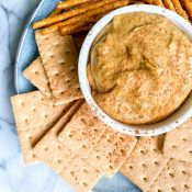 Healthy Pumpkin Pie Dip (5 Ingredients!)