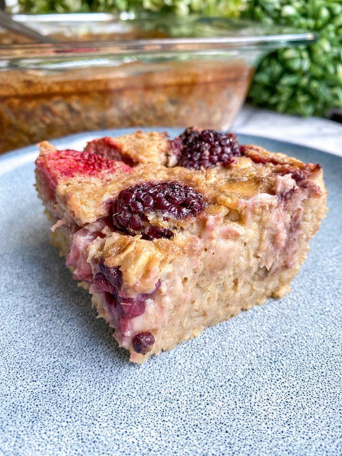 easy mixed berry baked oatmeal
