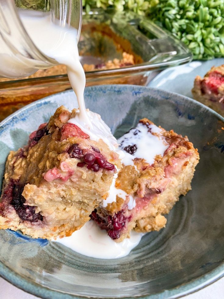Berry Baked Oatmeal (healthy + protein)