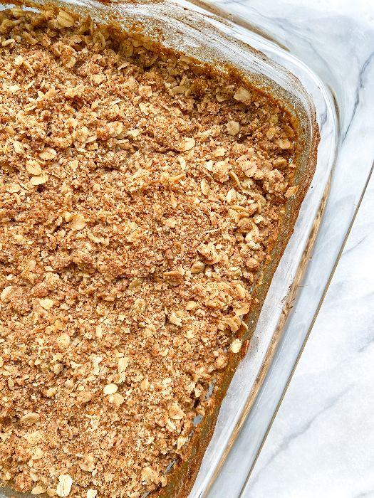 cinnamon streusel baked oats